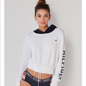 0c7e6435e2b082 Tommy Hilfiger Sweaters - Tommy Hilfiger X UO Colorblock Hoodie Sweatshirt
